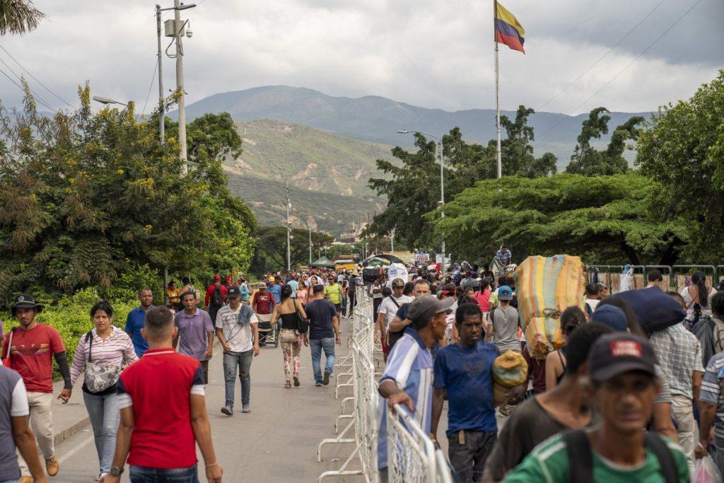 Aumenta la tensión armada en la frontera colombo-venezolana, con muertos y miles de desplazados |  Internacional