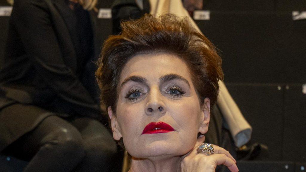 """El Atte de Antonia Dell vuelve a explotar contra Ana Obregón por defender a Alessandro Lequio: """"Ana despierta ella te usó"""""""
