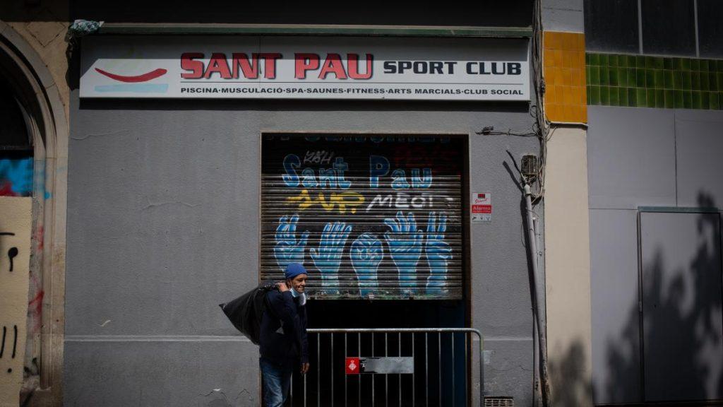 El Ayuntamiento de Barcelona pide a la justicia que posponga el desalojo del pabellón sociodeportivo de Sant Pau