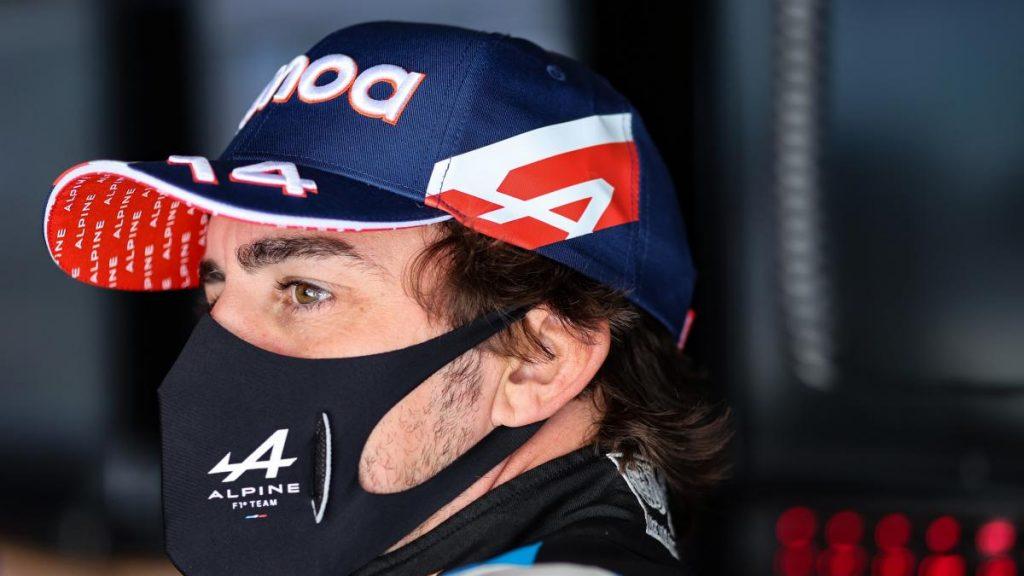 Alonso culpa al coche de su mala clasificación ... pero su compañero Ocon se está portando bien