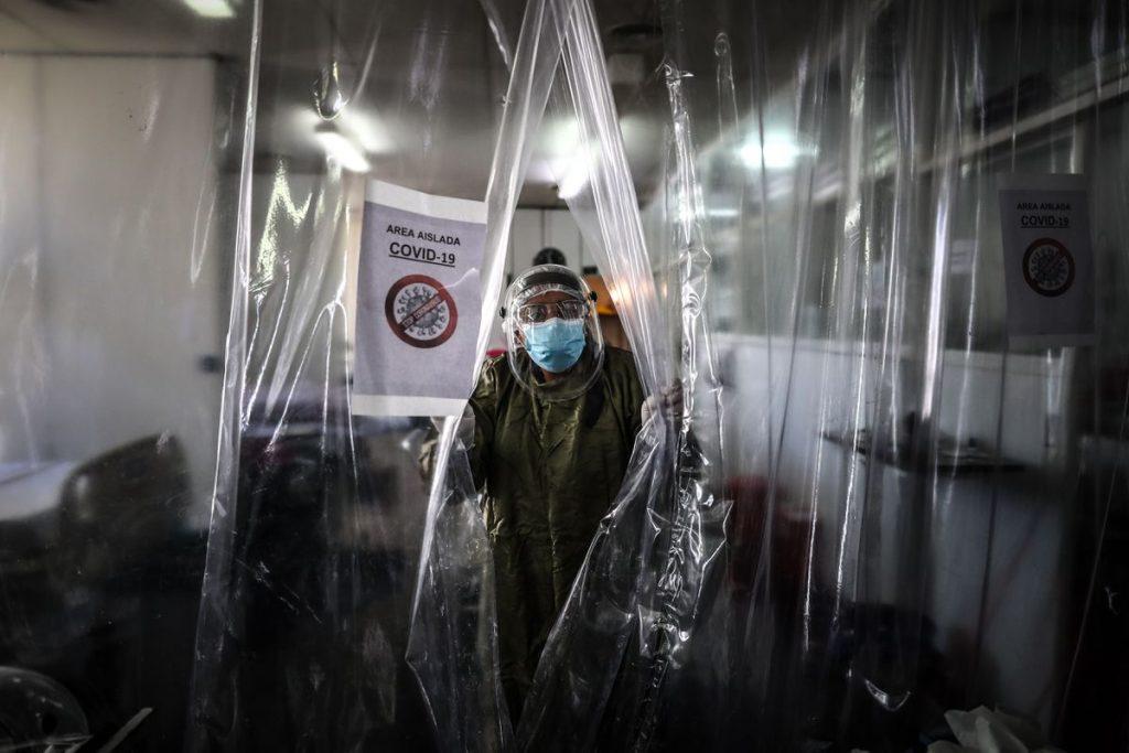 Argentina atraviesa la segunda ola de coronavirus con un sistema de salud al límite y médicos exhaustos |  Sociedad