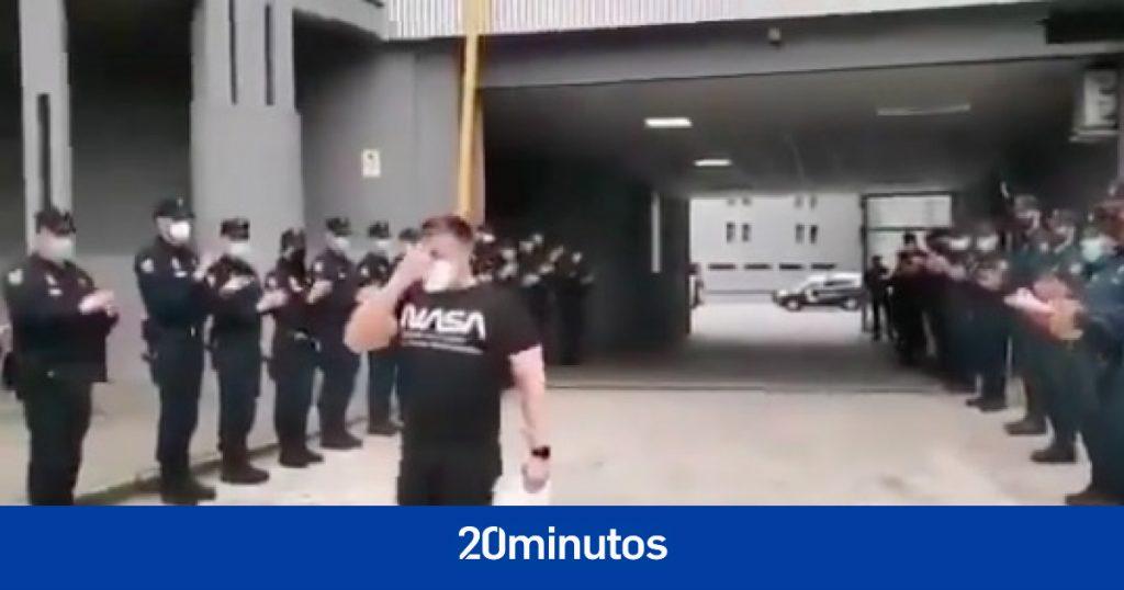 """Arrimadas rinde homenaje a Ángel, obligado a dejar la policía por """"la salvaje agresión sufrida tras la condena de la fiscalía"""""""