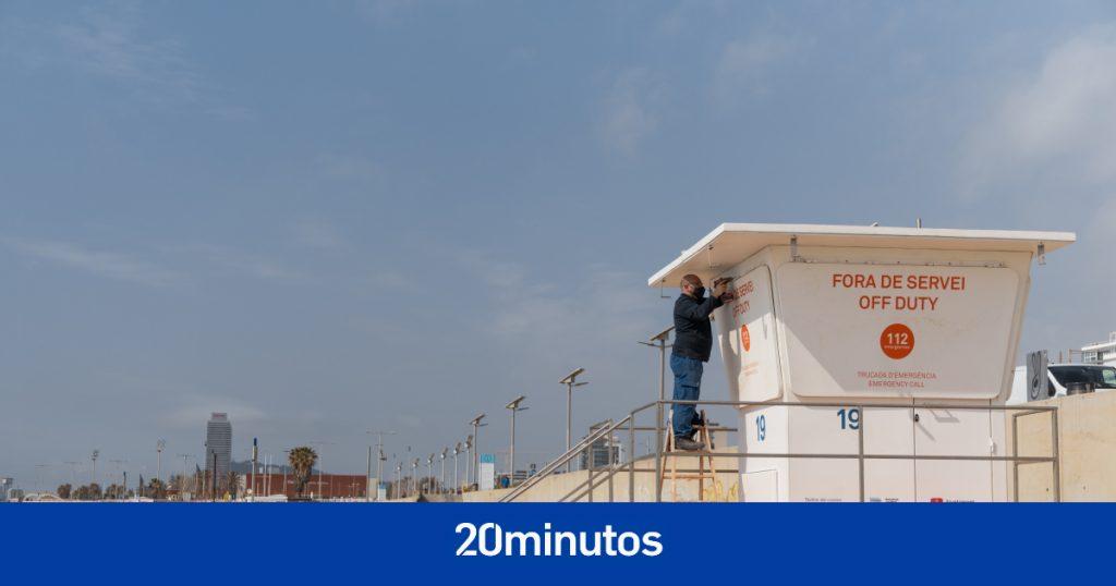 Barcelona actualiza 21 torres de vigilancia en las playas antes de otro verano pandémico