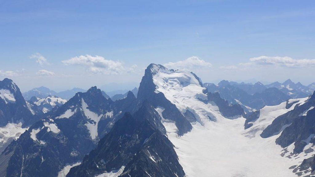 Cinco muertos en dos avalanchas de nieve en los Alpes franceses