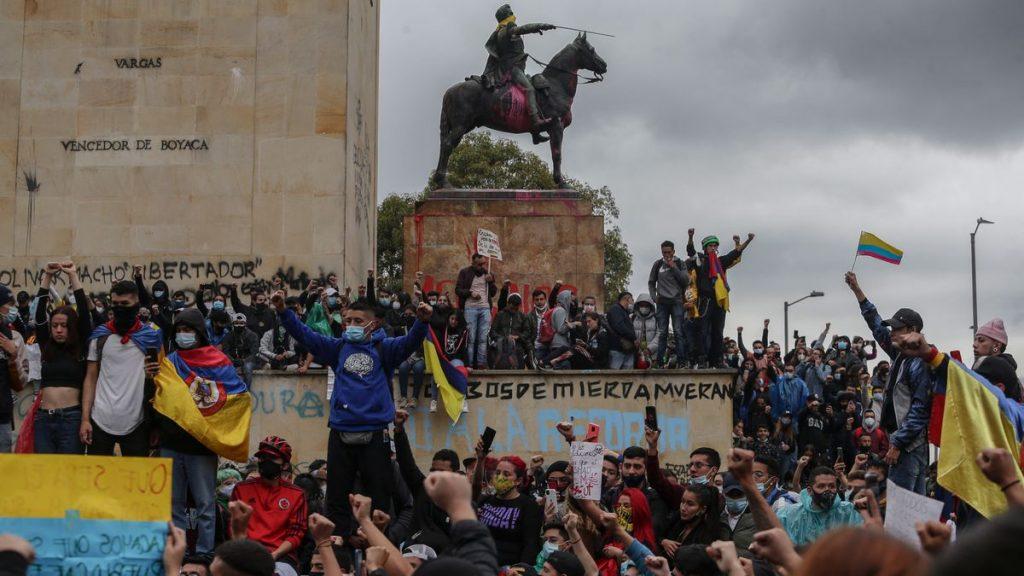 Colombia.  La represión de las protestas sella el divorcio de Duque de los jóvenes |  Internacional