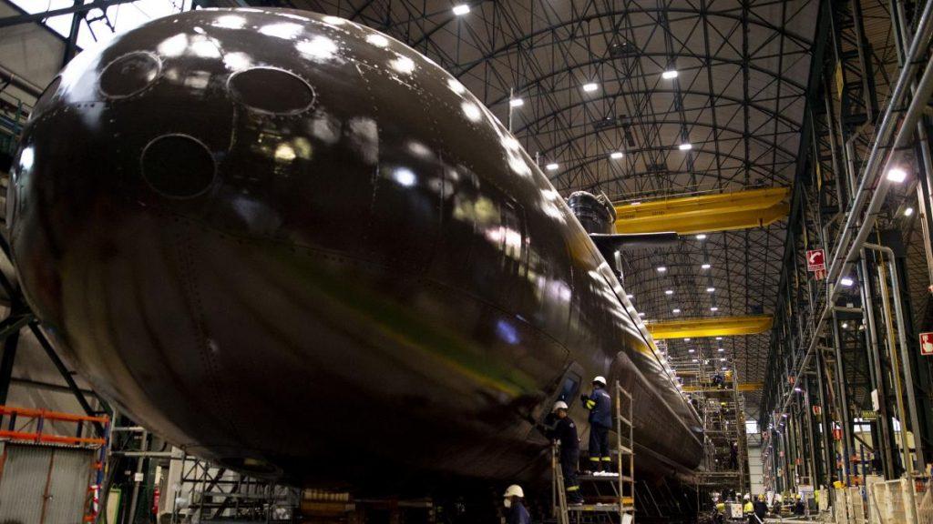 El submarino S-81 'Isaac Peral' ya está a flote, 15 días después del lanzamiento