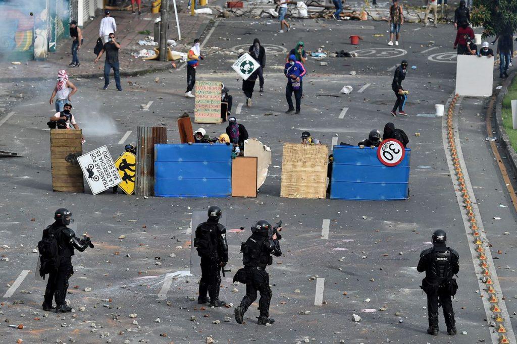 Iván Duque: La violencia policial está fuera de control en Colombia |  Internacional