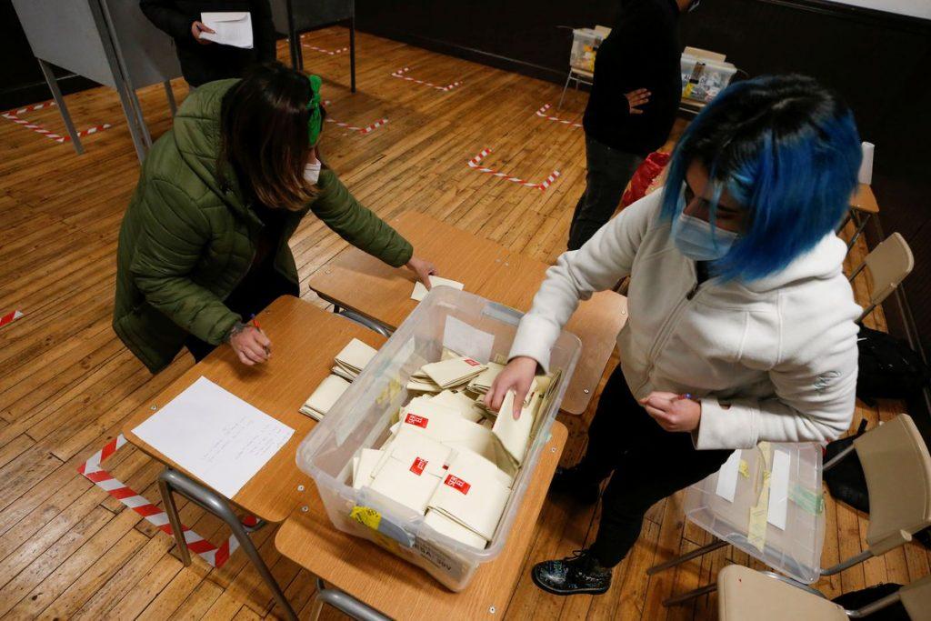 La irrupción de los independientes obliga a los partidos tradicionales chilenos a reinventarse    Internacional