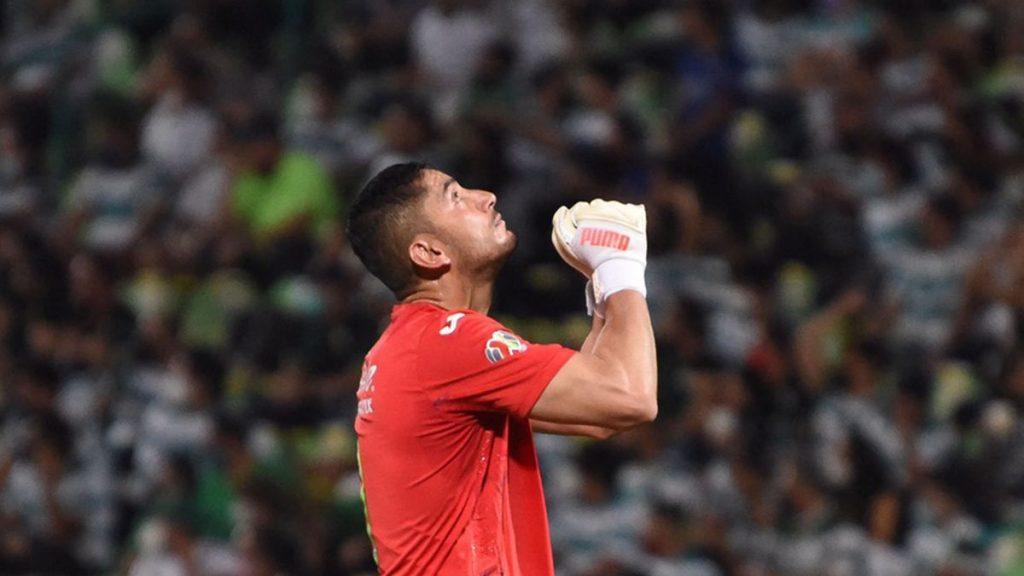 Luis Romo: Cruz Azul sobrevive para ganar el partido de ida de la final de la Liga MX ante el Santos