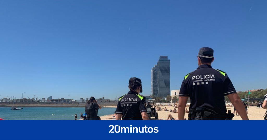 Prohibido fumar en cuatro playas de Barcelona a partir del sábado