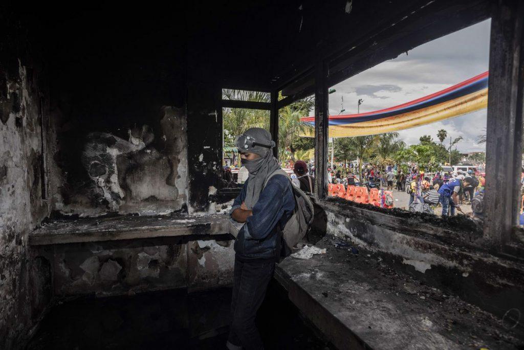 Protestas en Colombia: En la trinchera de Puerto Resistencia, bastión insurgente de Cali    Internacional