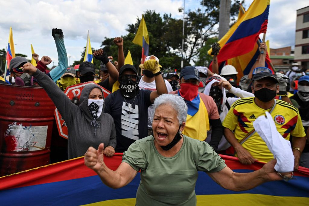 Un mes de vértigo para Colombia    Internacional