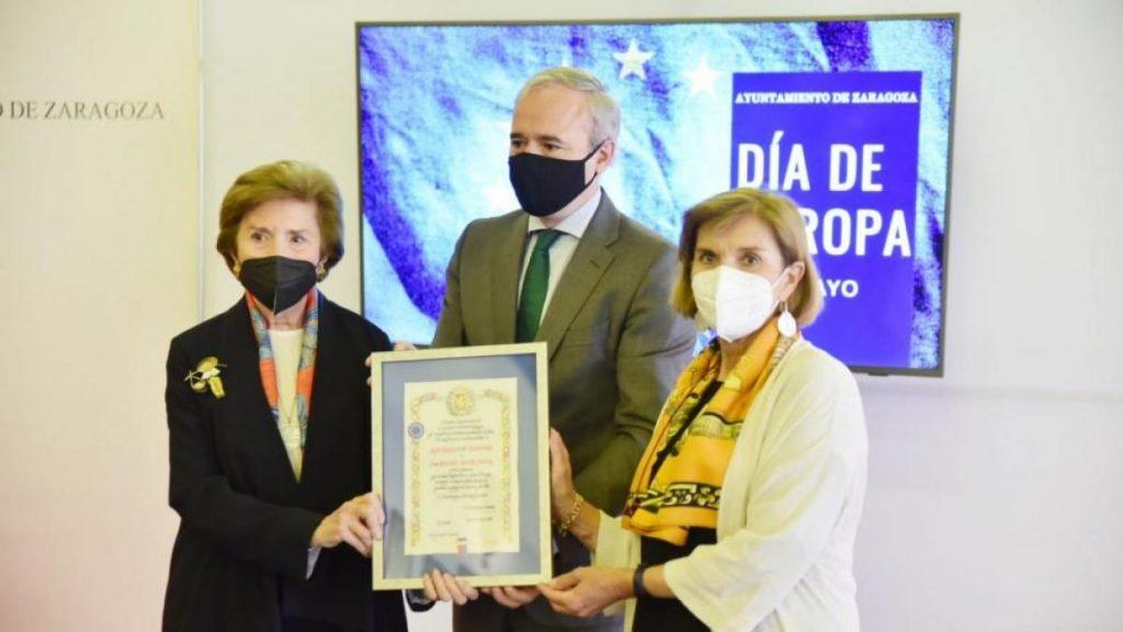 """Zaragoza presenta la Estrella de Europa a Ángel Sanz Briz, un """"héroe"""" que salvó a más de 5.000 vidas inocentes del Holocausto"""