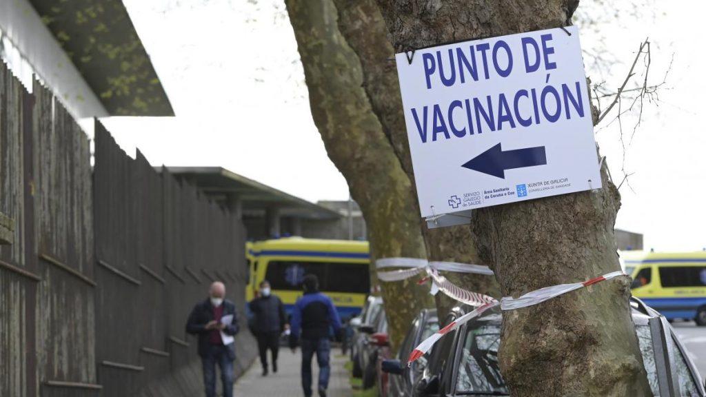 restricciones, límite de reuniones, capacidad, horario de hotel, número de infecciones, muertes, vacunas y estado de alarma activa