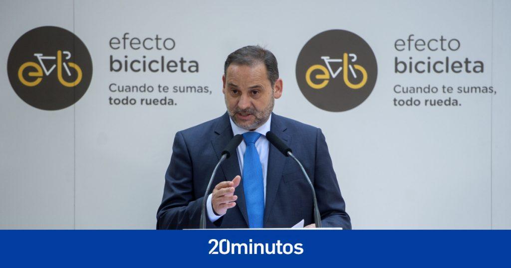 """Ábalos presenta plan estatal para la bicicleta de cinco millones de dólares, admite cifra """"muy alejada de otros elementos"""""""