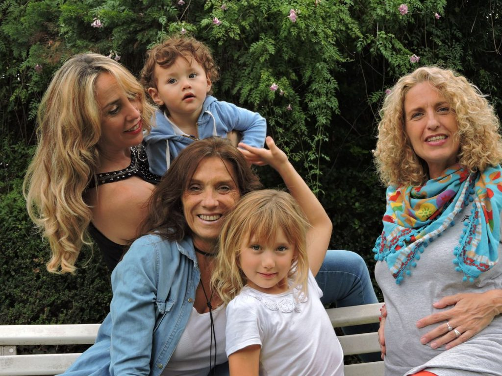 Argentina: Tres mujeres, tres hijos y una familia gracias a la donación de óvulos |  Sociedad