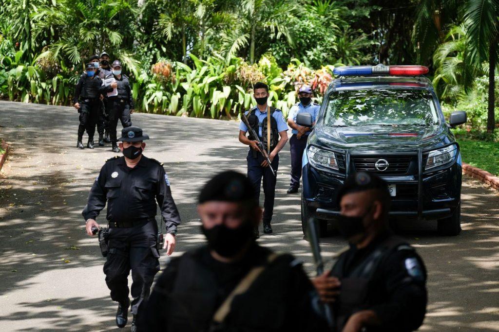 Autoritarismo: Nicaragua y Brasil: cómo mueren las democracias |  Opinión
