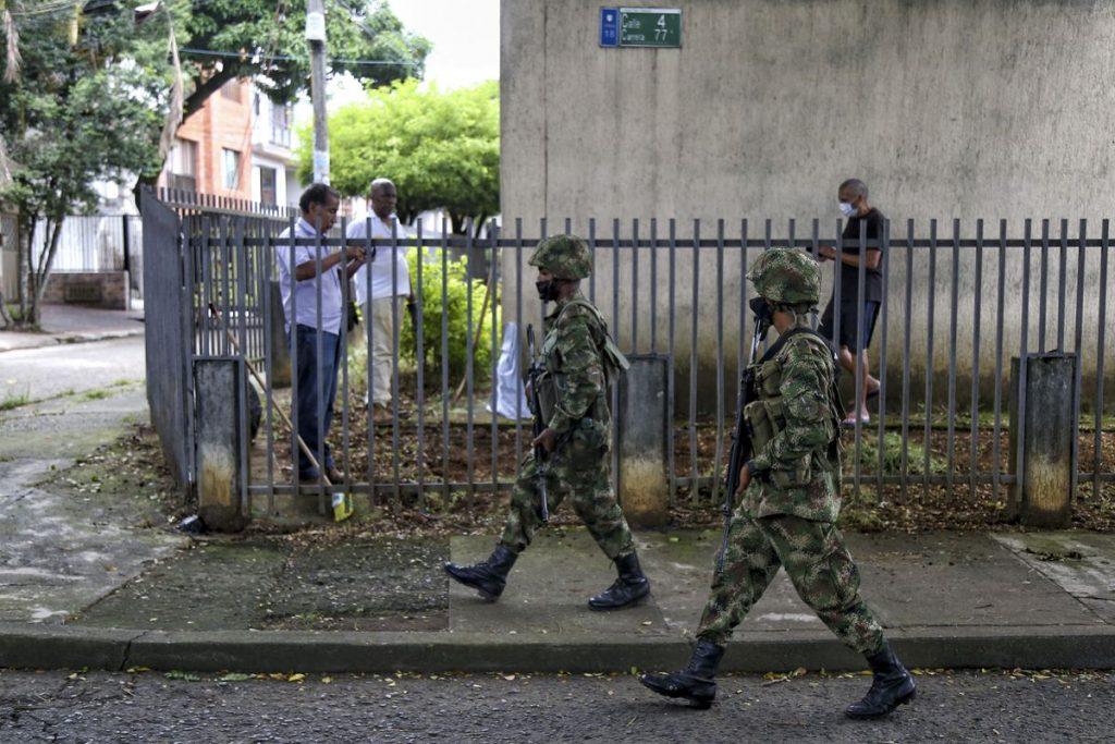 El allanamiento militar en las calles genera nuevas críticas contra Iván Duque en Colombia    Internacional