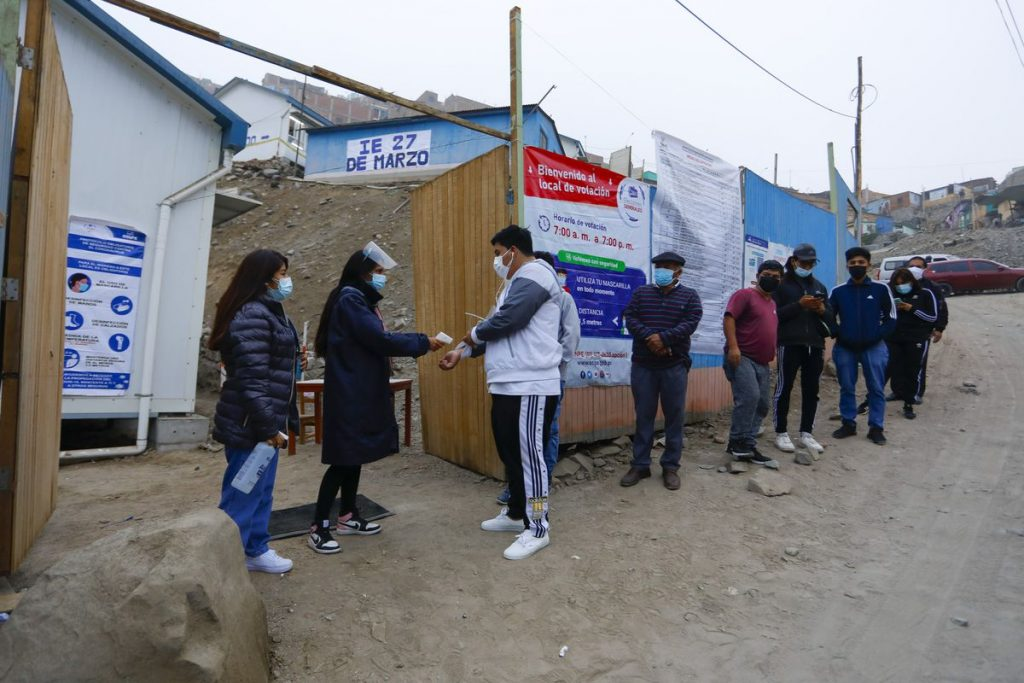 Elecciones presidenciales en Perú    votación, sondeos y resultados de la segunda vuelta, en directo    Internacional