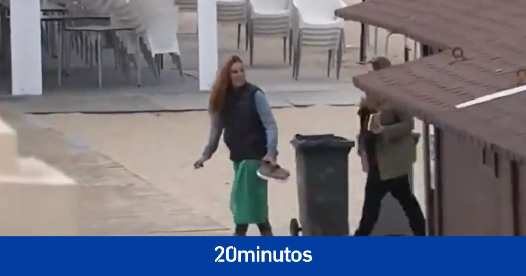 Graban a Rocío Carrasco paseando por Chipiona con motivo del 15 aniversario de la muerte de su madre