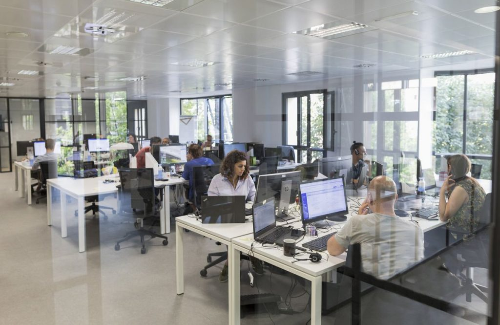 "Helena Guardans (Webhelp): ""Sin contrato de trabajo será difícil seguir en España""    Negocio"