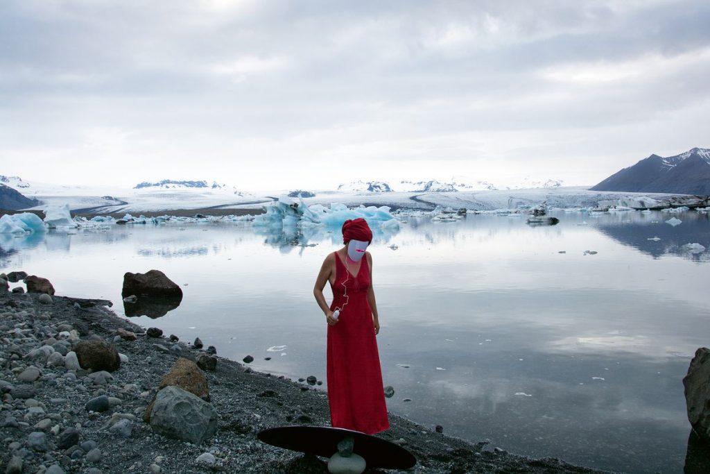 Liza Ambrossio, caminando por el lado salvaje    Babelia