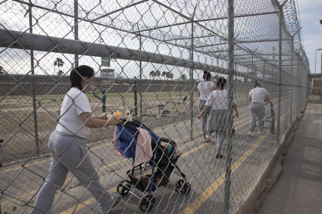 Prisiones mexicanas: la pena añadida de ser madre en la cárcel