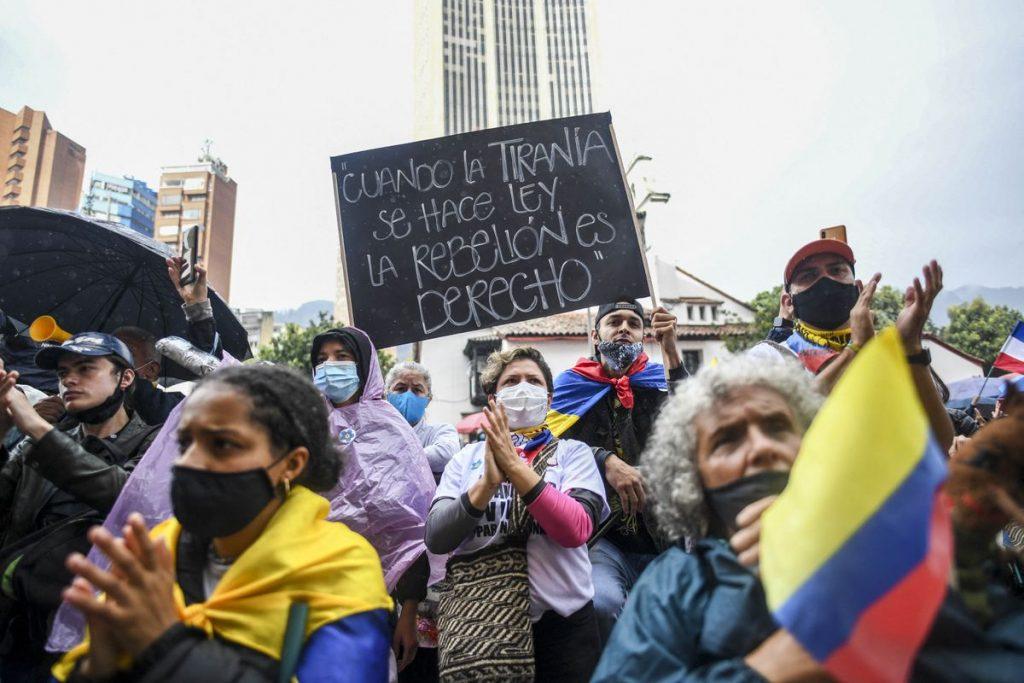 Protestas en Colombia: Un mundo paralelo a la apuesta arriesgada |  Opinión