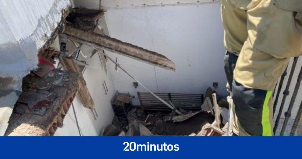 Un edificio desalojado en Cartagena por derrumbe de una de sus plantas