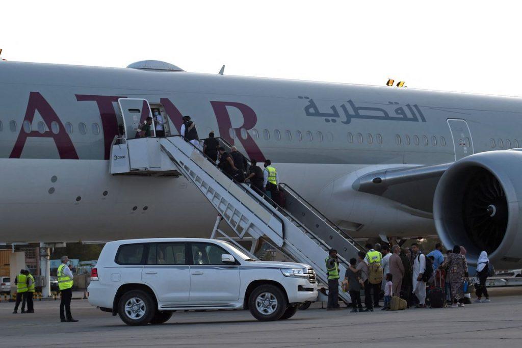 Afganistán: el aeropuerto de Kabul reanuda los vuelos internacionales tras la retirada de las tropas estadounidenses    Internacional