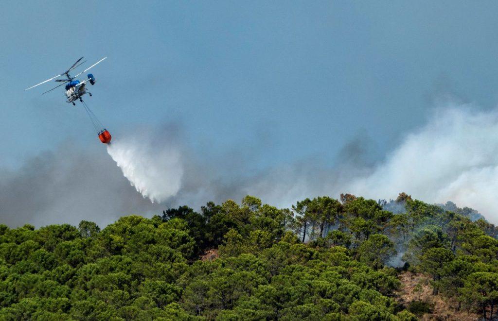 Bombero muere combatiendo el incendio de Sierra Bermeja    España