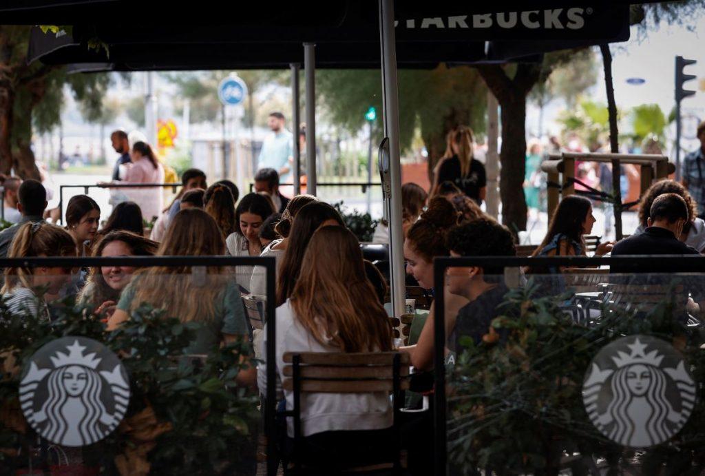España sale de un alto riesgo de transmisión del coronavirus    Sociedad