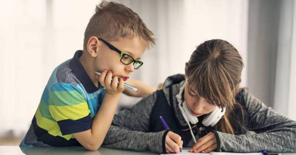 Guía para padres separados: quién debe pagar los útiles escolares, las clases particulares o el comedor    mis derechos    Economía