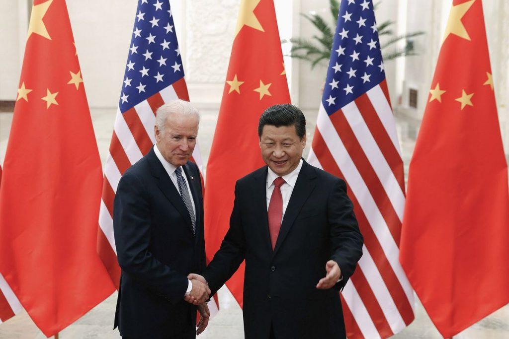 """Joe Biden habla con Xi Jinping sobre cómo evitar que su lucha """"conduzca a un conflicto""""    Internacional"""