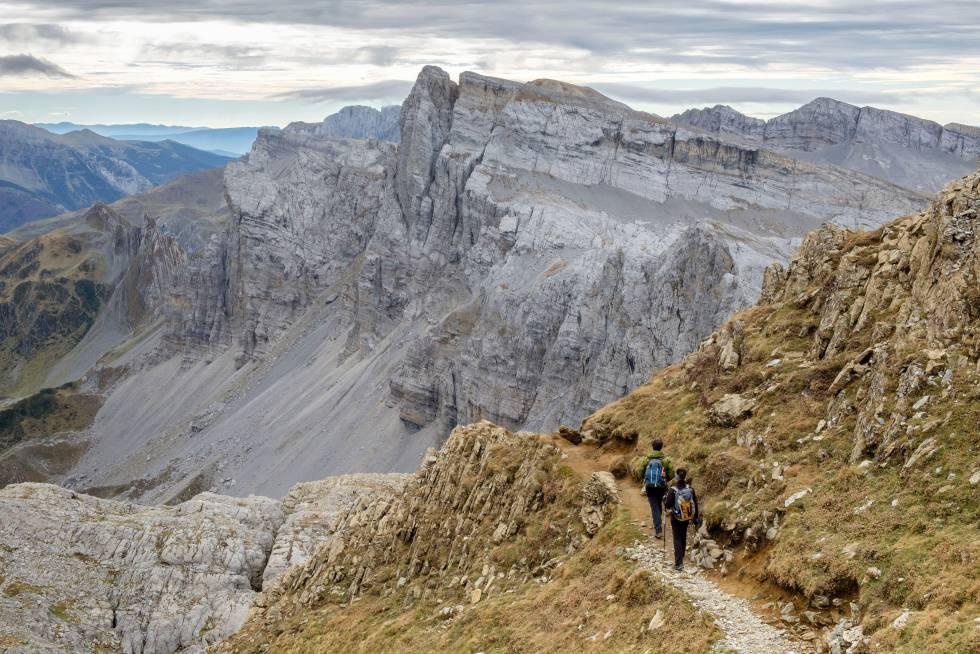 Los mejores senderos para descubrir los picos, bosques y rincones naturales de Navarra a pie