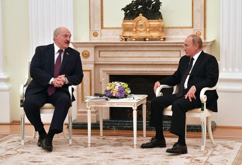 Rusia y Bielorrusia buscan fortalecer los lazos económicos en medio del aislamiento internacional de Lukashenko    Internacional
