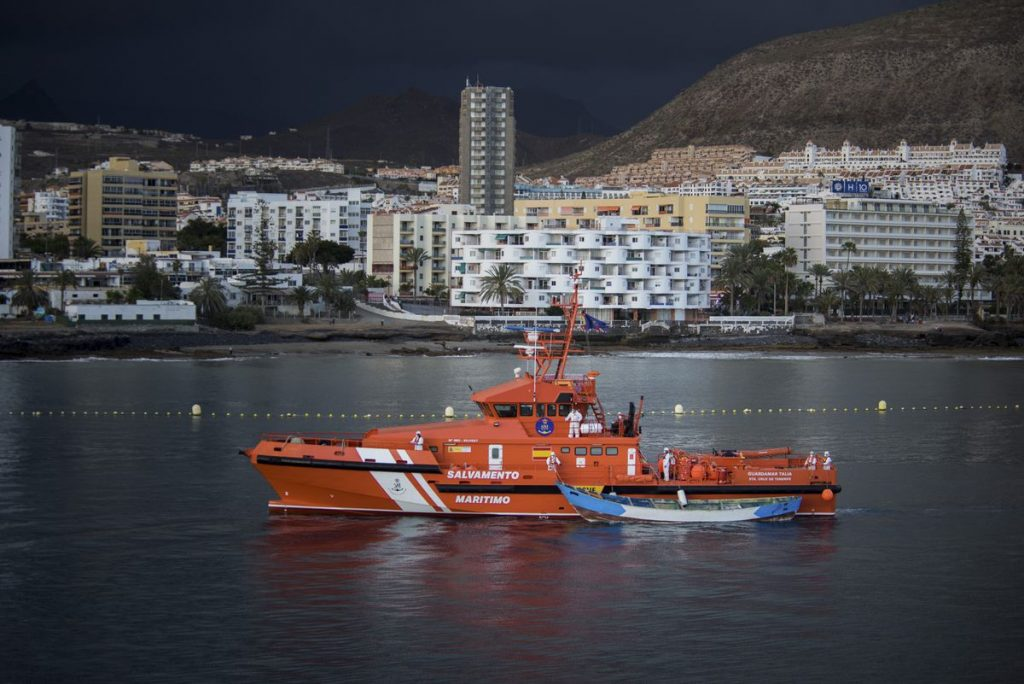 Hallados los cuerpos de 11 personas frente a Cabrera, Islas Baleares |  España