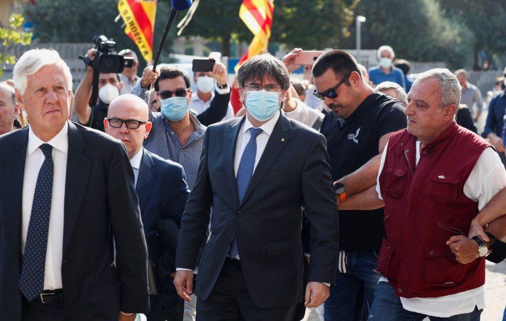 La Fiscalía italiana pide la suspensión del procedimiento de entrega de Puigdemont |  España
