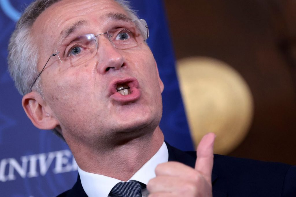 La OTAN expulsa de la sede de la Alianza en Bruselas a ocho diplomáticos rusos acusados de ser espías |  Internacional