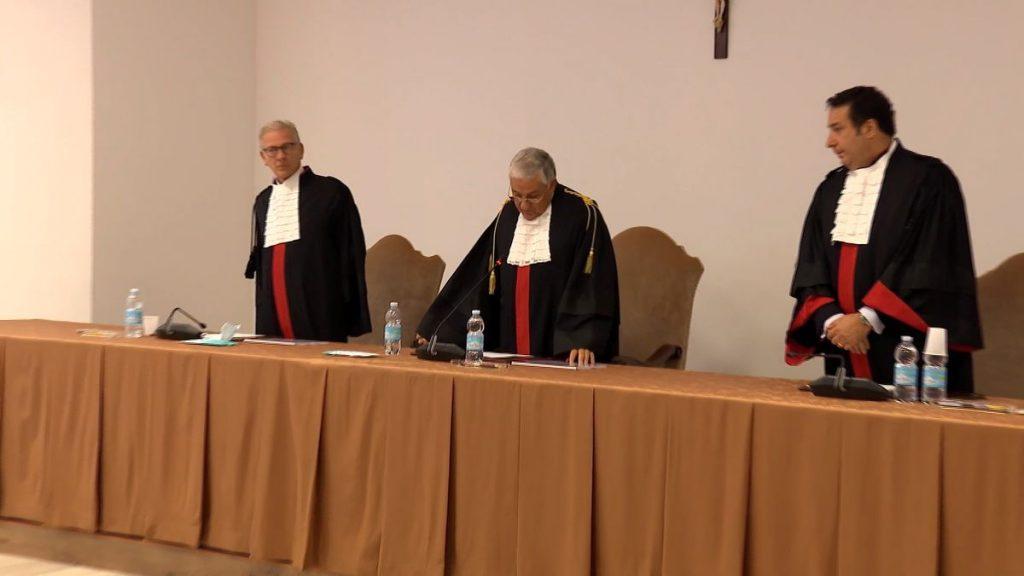 Primer juicio por abuso en la Santa Sede: el Vaticano absuelve a dos sacerdotes acusados en su territorio |  Sociedad