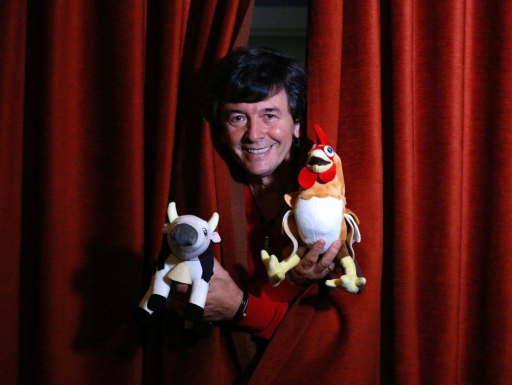 Roberto 'Kuky' Pumar, el productor que conquistó YouTube con la vaca Lola y el gallo Bartolito    la tele